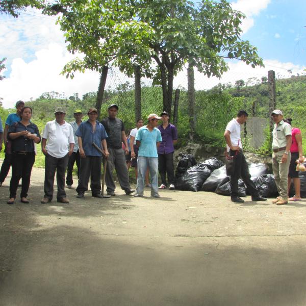 Campaña de limpieza, San Antonio del Mosco - AACID